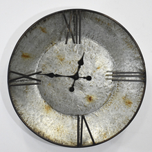 Rustic Farmhouse Plate Shape Galvanized Wall Clock for Home Decor