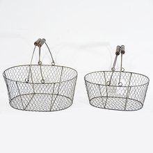 Rustic Chicken Storage Metal Wire Basket with handle