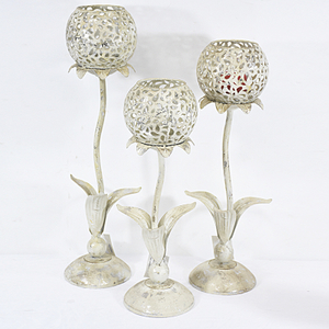 Shabby Chic Distressed White Flower Metal Candle Holder Wholesale